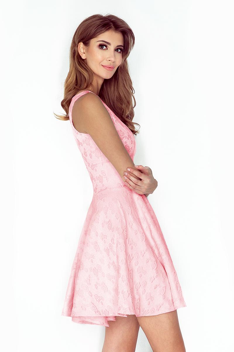 22a867d6dc 125-18 Sukienka KOŁO - dekolt łódka - ŻAKARD RÓŻE - pastelowy róż ...