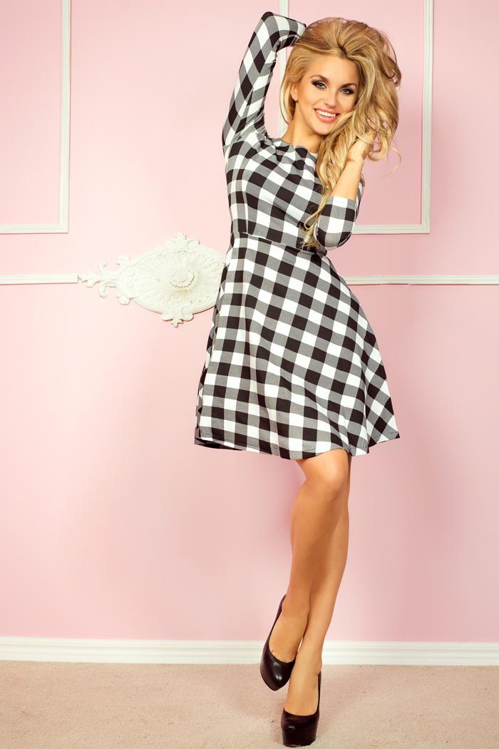 49-1 rozšírený šaty s 3/4 rukávmi - biela mriežka